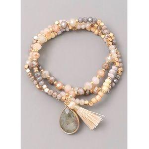 Jewelry - NEW! 🌟Beaded Bracelet Stack